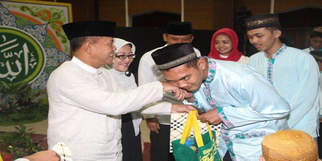Peringati Nuzulul Qur'an, Kopassus Beri Santunan Anak Yatim