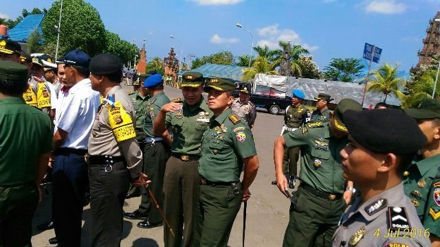 Pangdam IX/Udayana Bersama Kapolda Bali Tinjau Kesiapan Operasi Ramadniya Agung 2016 di Gilimanuk