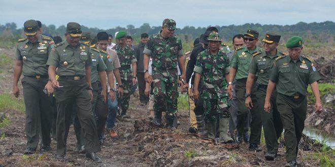 Kasdam XII/Tpr Pimpin Rapat Evaluasi Cetak Sawah Di Wilayah Korem 102/Pjg