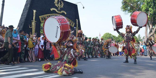 220 Capaja Akmil Pamitan Warga Magelang
