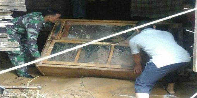 Kodim 0107/Asel Bantu Korban Banjir