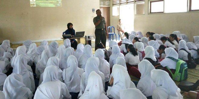 Danramil 01/Cangkringan Beri Materi Wawasan Kebangsaan Kepada Siswa Di SMP N 2 Cangkringan