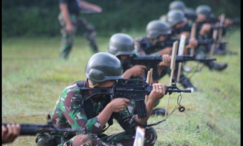 Yonif Mekanis 201/JY Puncaki Materi Menembak Senapan