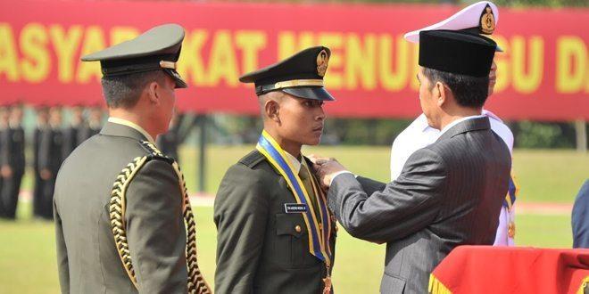 Presiden RI Lantik 720 Perwira Remaja TNI – Polri