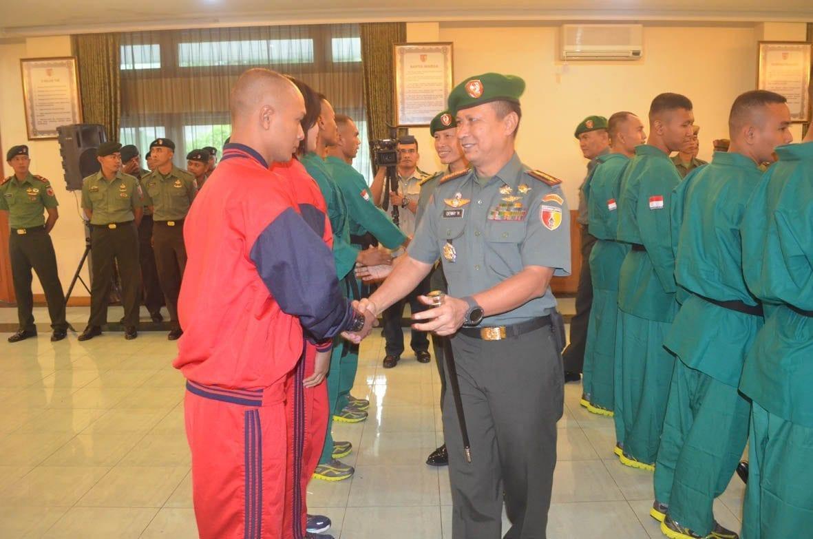 Danrem 084/BJ Selaku Komandan Kontingen Hadiri Pelepasan 24 Atlit Yong Moodo Kodam V/BRW Ikuti Kasad Cup ke-6 TA. 2016