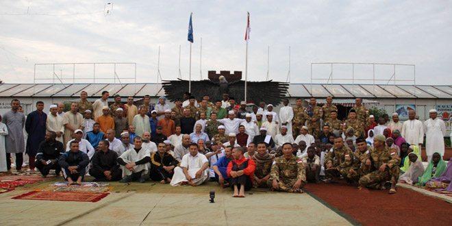 Prajurit TNI Konga XX-M/Monusco Sholat Ied di Belantara Hutan Kongo