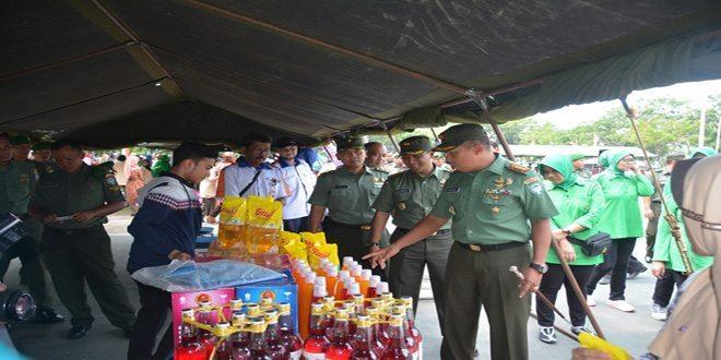 Masyarakat Lhokseumawe Padati Pasar Murah Korem 011/LW