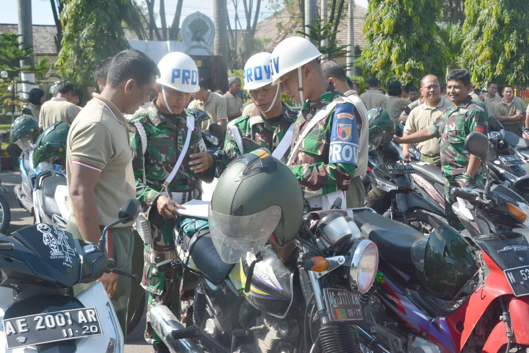 Pemeriksaan kelengkapan kendaraan jelang libur bersama oleh Kasiintelrem 081 (3)