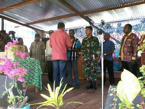 Kunjungan Kerja Menteri Pemberdayaan Perempuan dan Perlindungan Anak RI Bertatap muka dengan masyarakat kampung Nifasi di Distrik Makimi