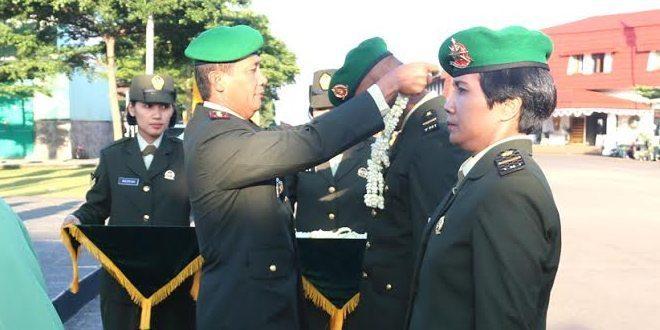 Pengalungan Bunga Perwira Muda Perkecabangan