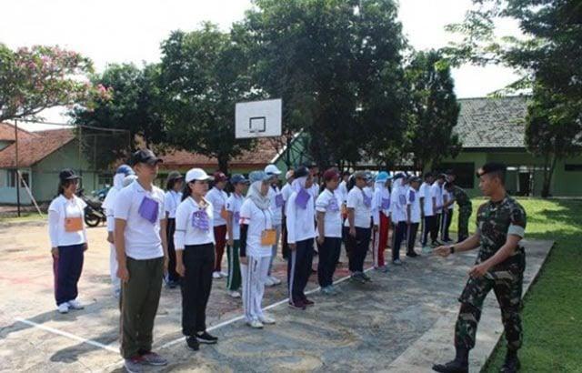 TNI Latih 100 peserta MABA IBN Melaksanakan LDK