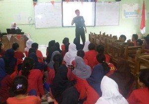 Koramil 02/Sawah Besar Serbu SMAN 10 Jakarta