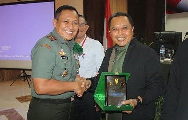 Sinergitas TNI Dengan Perguruan Tinggi Menghadapi Proxy War