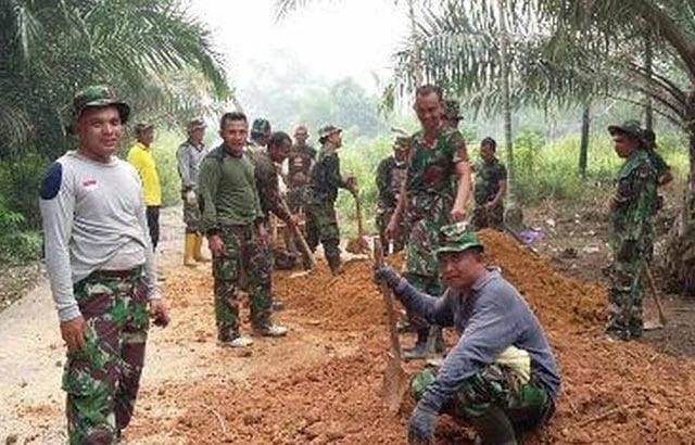 Demi Rakyat, TNI Berbuat
