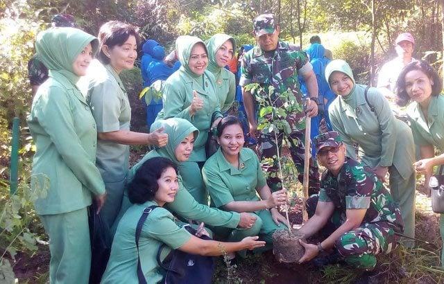 Tanam 1000 Pohon Untuk Atasi Kesulitan Air