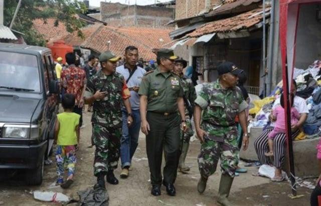 Prajurit Siliwangi Kembali Terjun ke Lokasi Banjir Garut