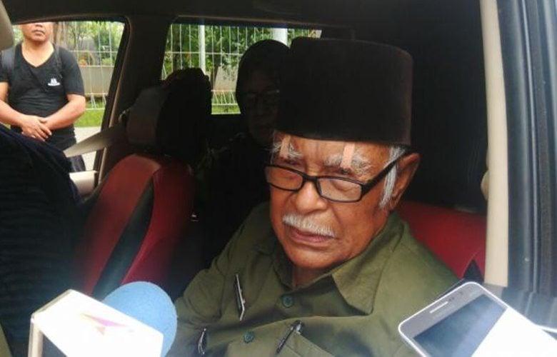 Karim Ilyas Bukan Pensiunan TNI Berpangkat Letkol Dan Bukan Pengibar Bendera Pusaka