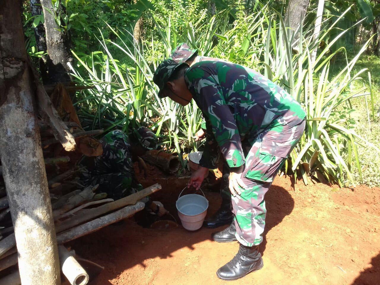 Pembuatan Jamban, TNI Tingkatkan Kualitas Kesehatan Masyarakat