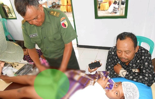 TNI Adakan Khitanan Massal