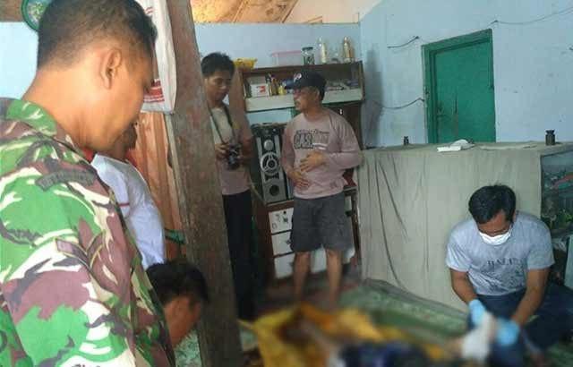 Babinsa Koramil 0804/01 membantu mengevakuasi Mayat di Sungai Gandong