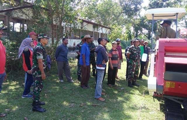 Training Operasional Combine Terpadu Dari Dinas Pertanian Untuk Anggota Koramil Papar