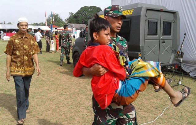 bra-2-s-2-Berkat-Tentara-Puluhan-Anak-Jadi-Perjaka