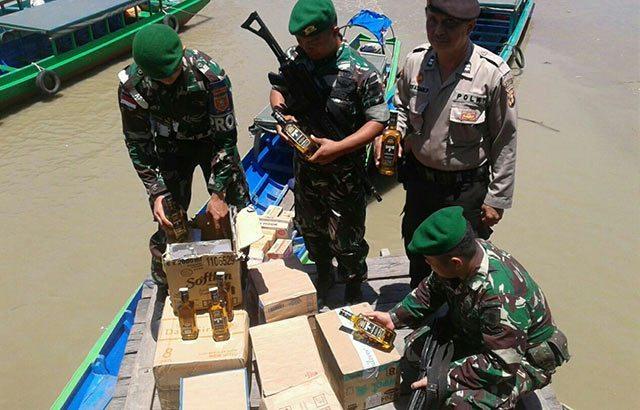 Satgas Pamtas TNI Amankan 210 Miras Illegal di Nunukan