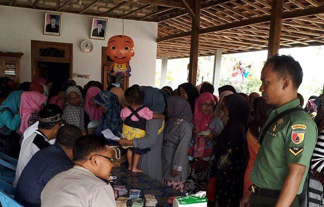 Babinsa Koramil Kokop Bangkalan, Bantu Sukseskan Program PKH