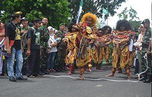 Kodim 0707 Wonosobo Prakarsai Parade Kuda Kepang di Wonosobo