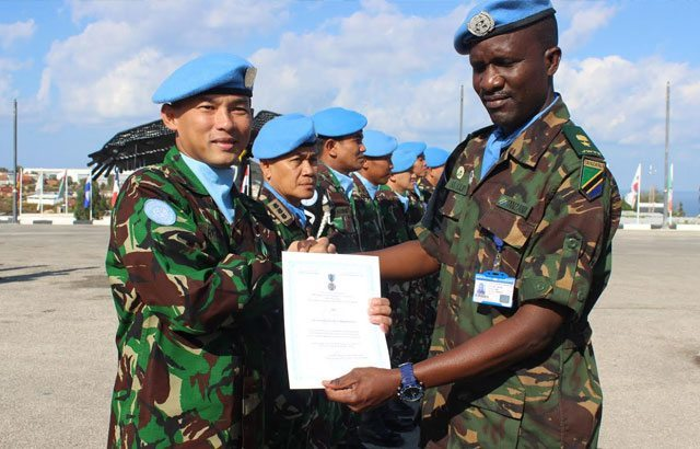 11. Prajurit-TNI-di-Lebanon-Raih-Brevet-Penghargaan-dari-Negara-Tanzania