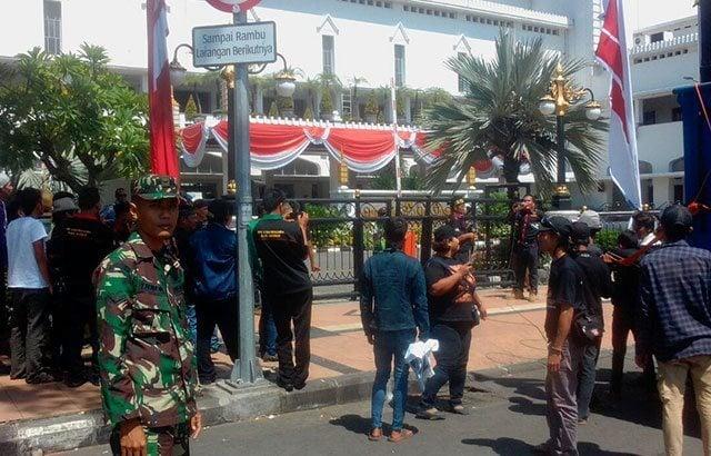 TNI Bantu Polri Amankan Unjuk Rasa