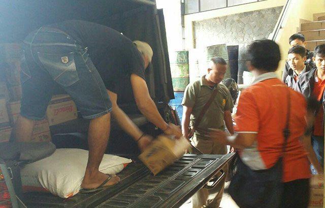 TNI Tak Henti-Henti Berikan Bantuan Bagi Korban Banjir Garut