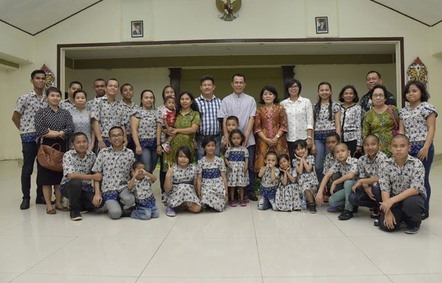 5.-Pangdam-VI-Mlw-Ibadah-Bersama-Dengan-Anak-Panti-Asuhan
