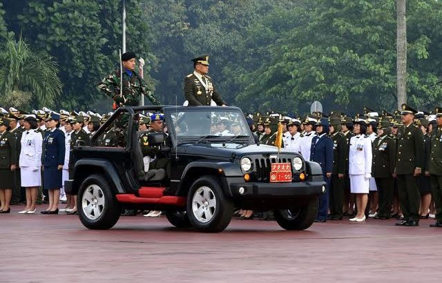 Panglima TNI Pimpin Upacara HUT ke-71 TNI