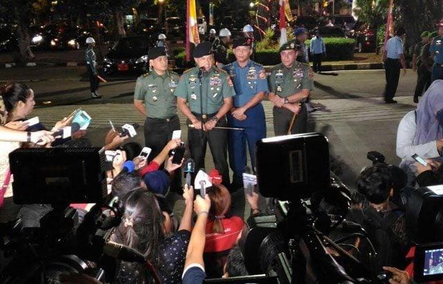 TNI Tetap Mendekatkan Diri Dengan Rakyat Melalui Seni dan Budaya