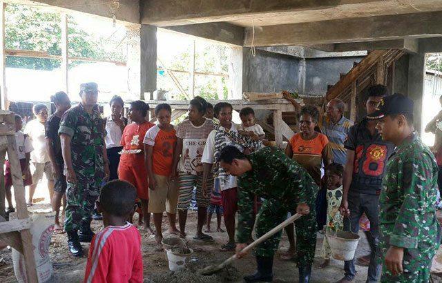Bantu Bangun Gereja, Anggota TNI Contohkan Tolerasi Antar Umat Beragama
