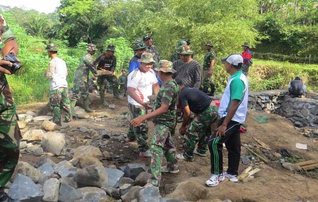 Bangun Infrastruktur, TNI Bantu Perekonomian Desa