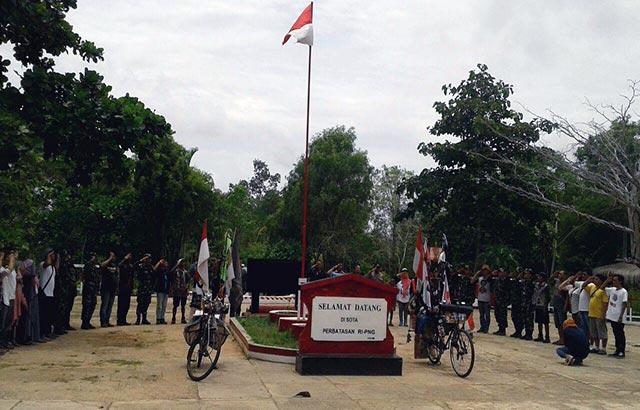 Gagahnya Merah Putih Berkibar di Tapal Batas RI – PNG