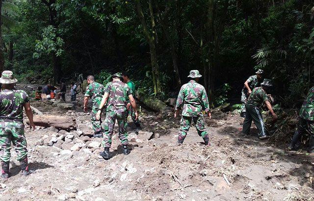 TNI Gerak Cepat Atasi Longsor di Kaliurang