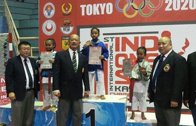 Putri Babinsa dan Purn TNI AD Juara International Karate Championship
