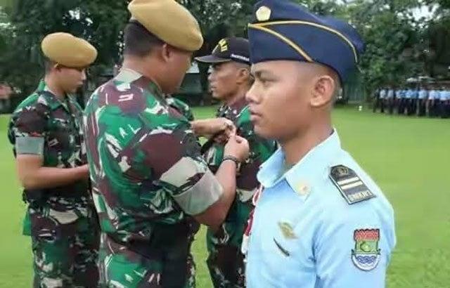 1.-140-Taruna-SMK-N-1-Tangerang-Menuntut-Ilmu-Di-Menarhanud-1-F-Dam-Jaya