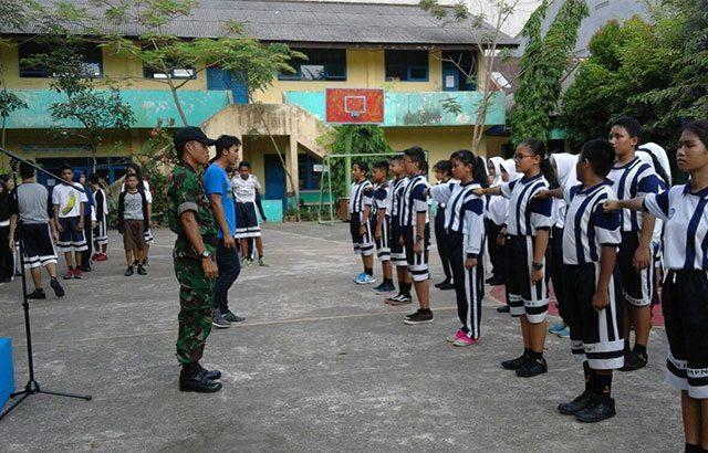 Menanamkan Sikap Disiplin Siswa Melalui Pelatihan Baris-Berbaris