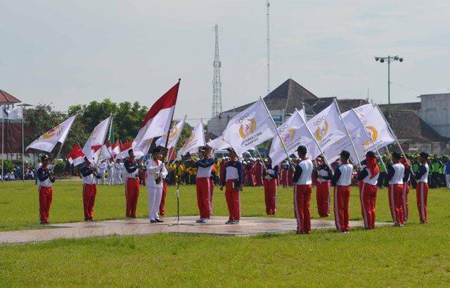 Tim Drumband TNI AD Meriahkan Pembukaan Porkab Demak