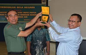 13.-Ratusan-Mahasiswa-Uniyap-Jayapura-Terima-Kuliah-Umum-Dari-Pangdam-XVII