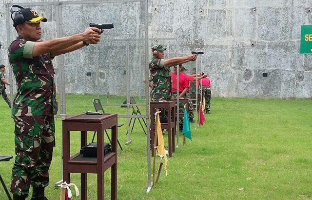 Personel Kodam V/Brawijaya Adu Tangkas Lomba Menembak