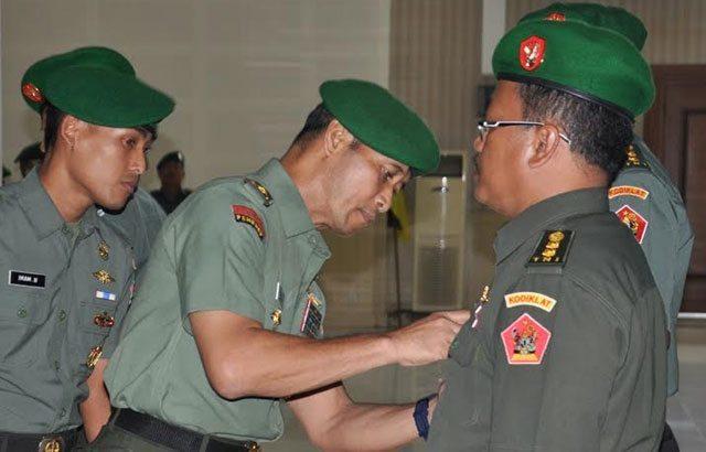 4.-Kakes-Kodiklat-TNI-AD-Diserah-Terimakan