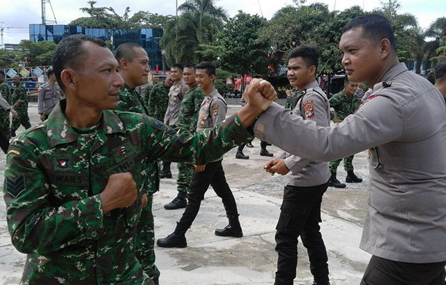 TNI dan Polri Latihan Beladiri Bersama