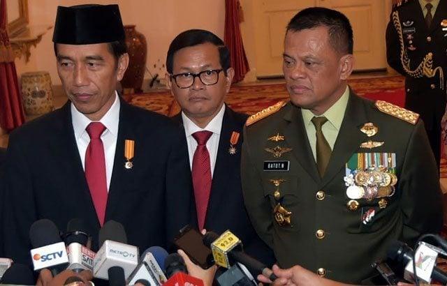 7.-Presiden-RI-Tegaskan-Tidak-Ada-Pergantian-Panglima-TNI