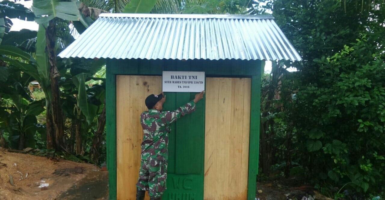 Prajurit TNI di Perbatasan Bangun 20 Jamban dan Rehab 20 Rumah Ibadah