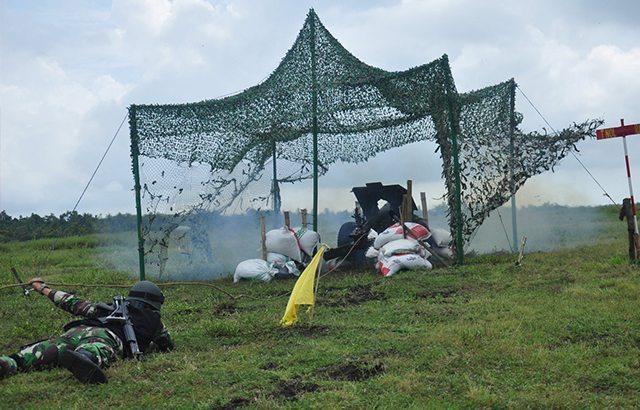 2 Batalyon Armed Kostrad Latihan Menembak Terintregasi